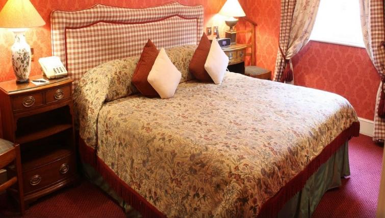 Classic bedroom in The Leonard Hotel