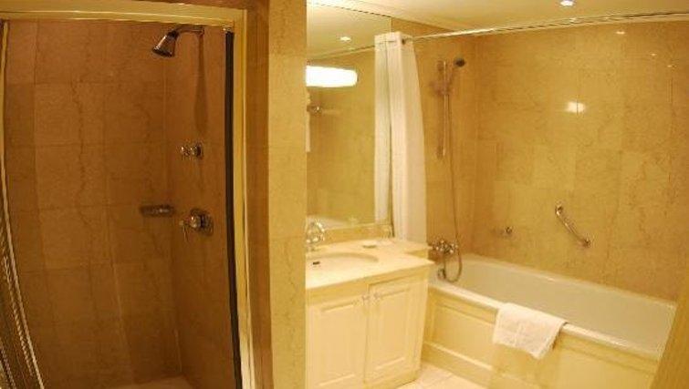 Bathroom at The Leonard Hotel