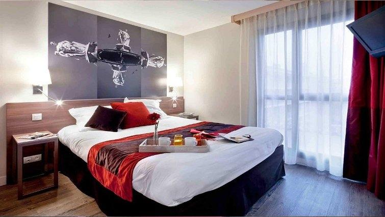 Stylish bedroom in Adagio Aix en Provence Centre