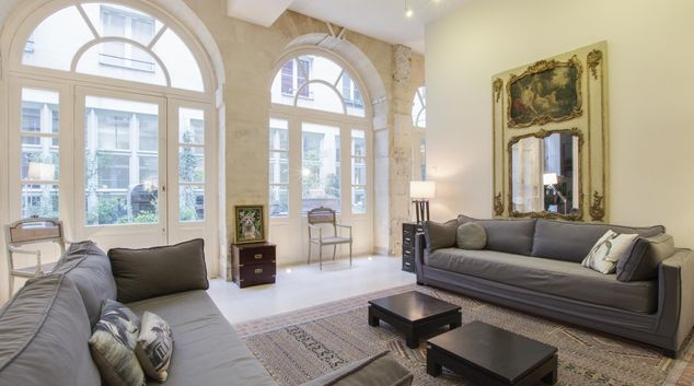 Living area at White Vault Apartment, 3rd Arr, Paris