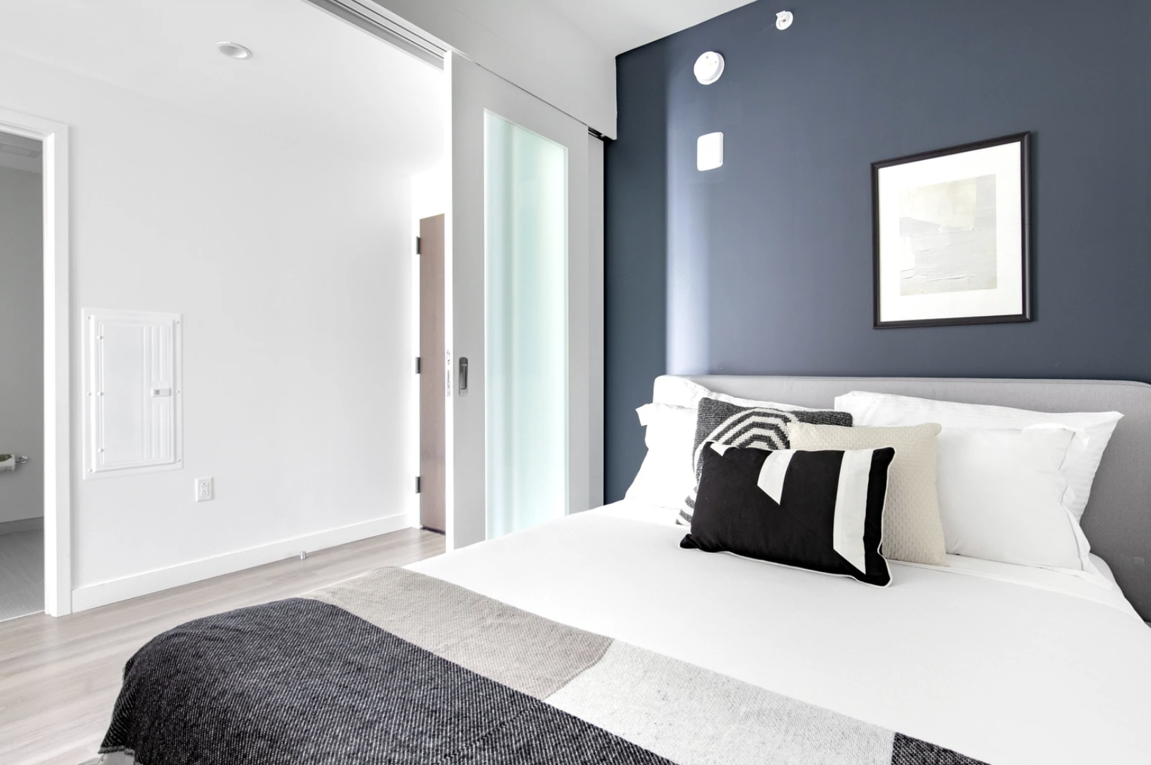 Bedroom at Hub50House Apartments, Centre, Boston