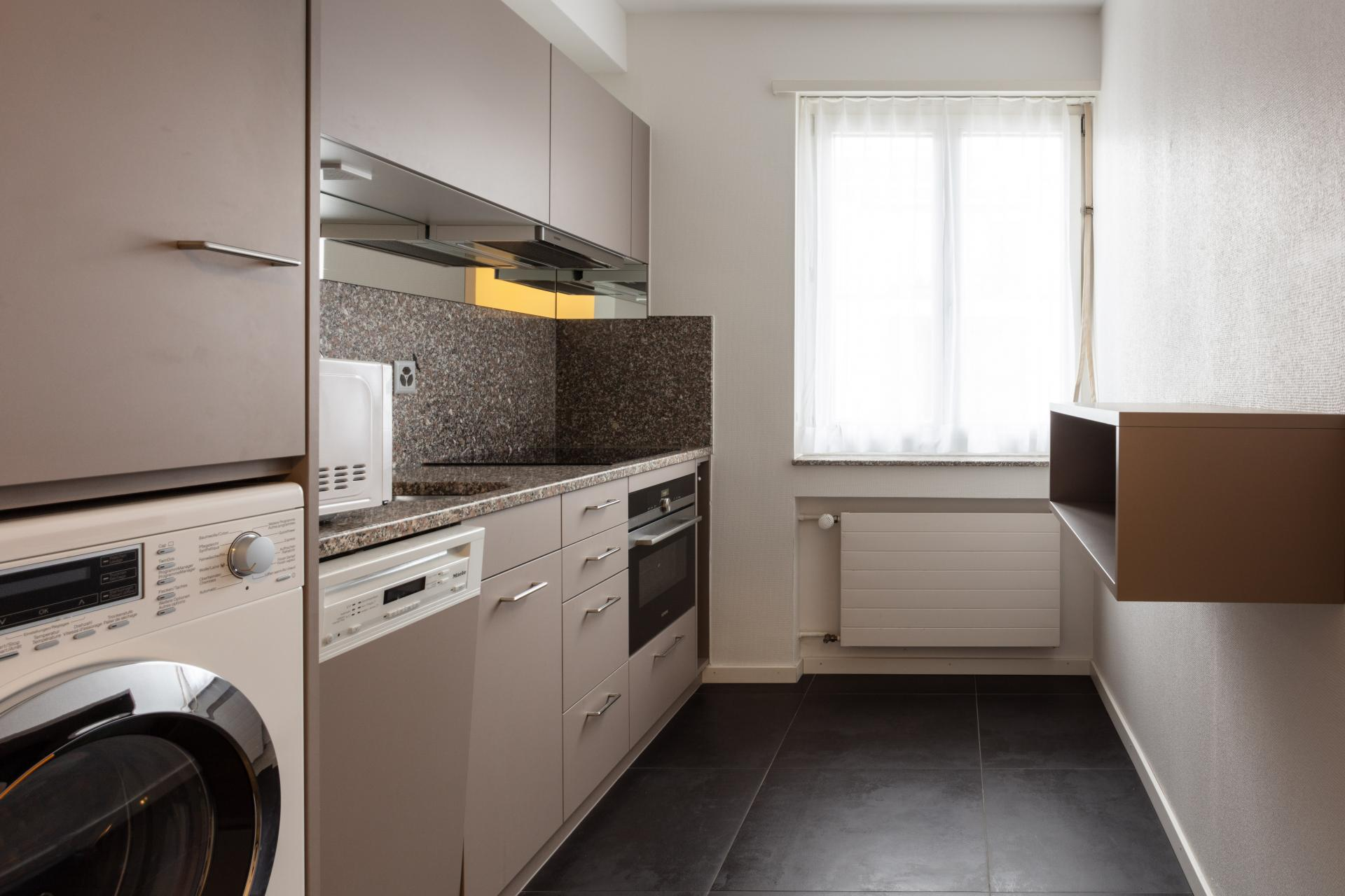Fully equipped kitchen at Florastrasse 26 Apartments