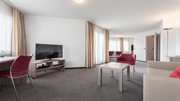 Spacious living area in Sihlfeldstrasse 127