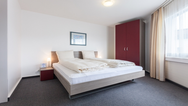 Bright bedroom in Sihlfeldstrasse 127