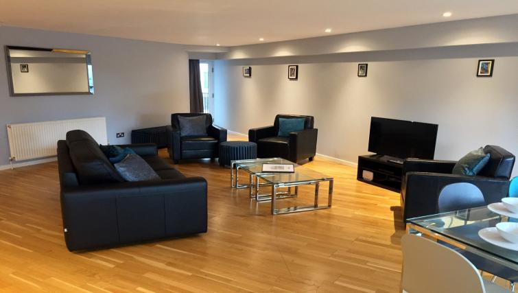 Sophisticated living area in Tolbooth Apartments