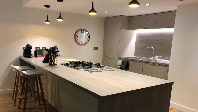 Kitchen facilities ta Tolbooth Apartments