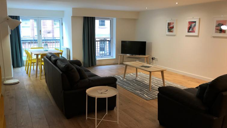 TV at Tolbooth Apartments