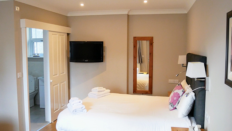 TV at Peartree Serviced Apartments