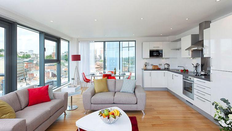 Gorgeous living area in SACO Bristol - Broad Quay