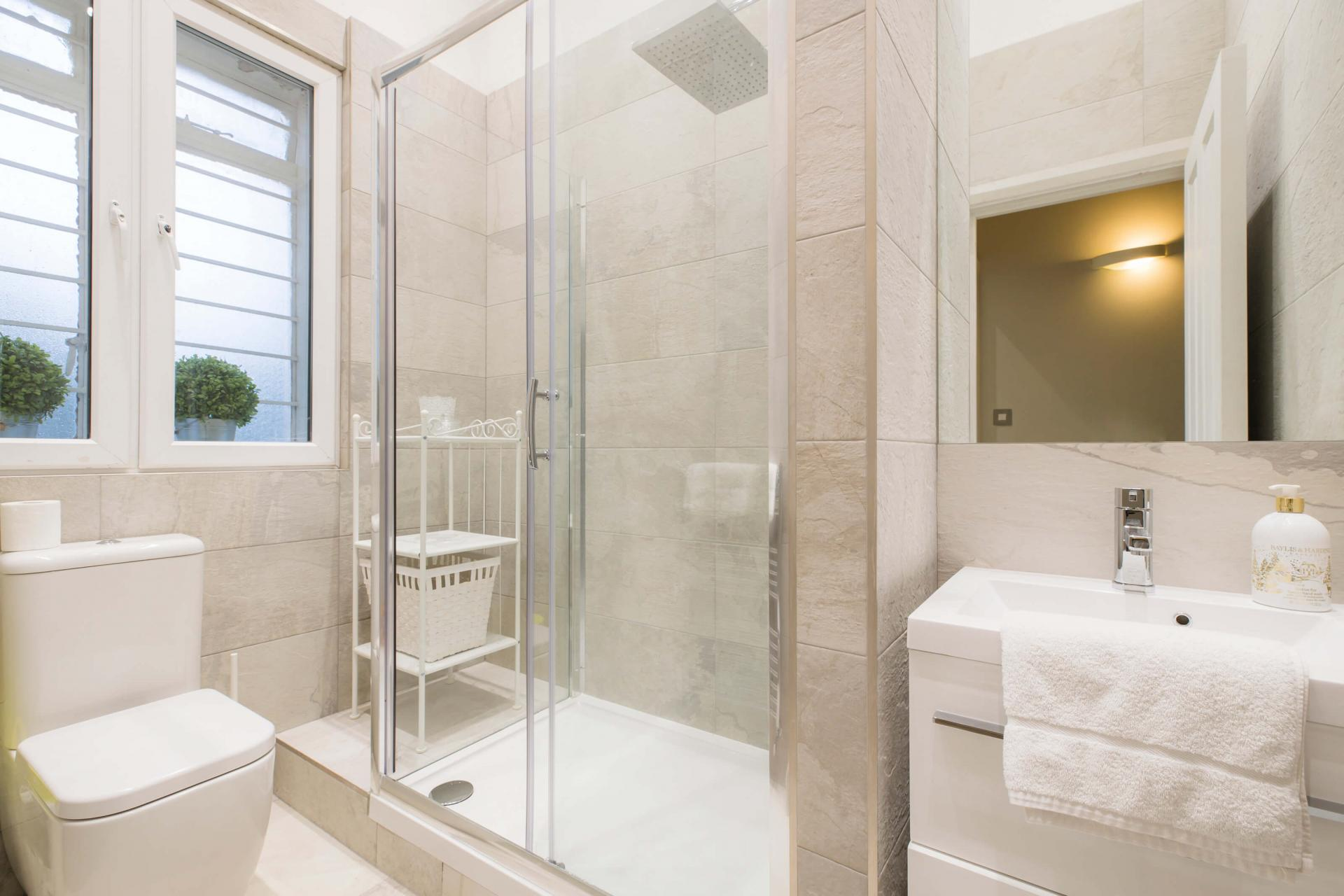 Shower at Westbourne Gardens Apartment, Bayswater, London