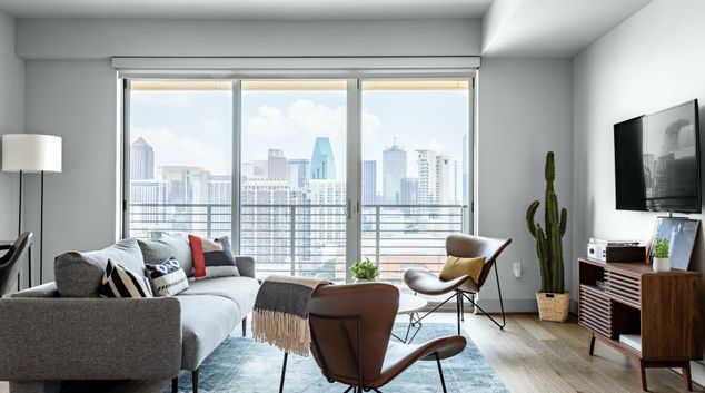 Living area at Victory Park Dallas Apartments, International Center, Dallas