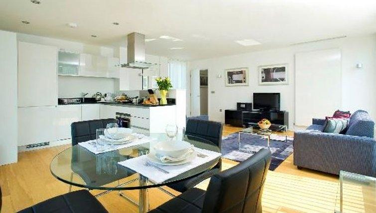 Sensational living area in Oakwood Farringdon