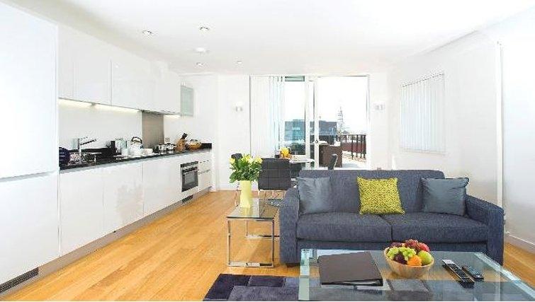 Modern kitchen at Oakwood Farringdon