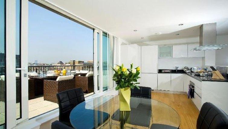 Bright living area at Oakwood Farringdon