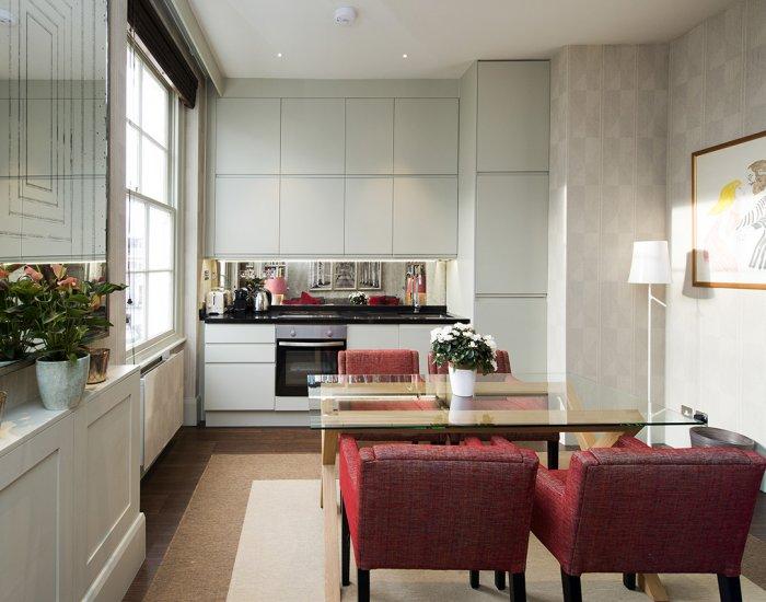 Kitchen dining at 10 Durham Terrace, Bayswater, London