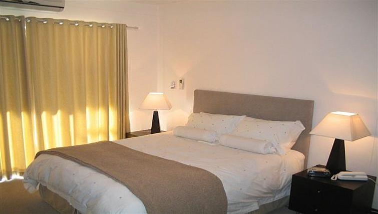 Calming bedroom in 77 Grayston Apartments