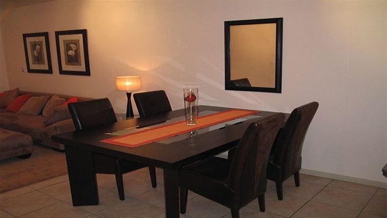 Relaxing dining area in 77 Grayston Apartments