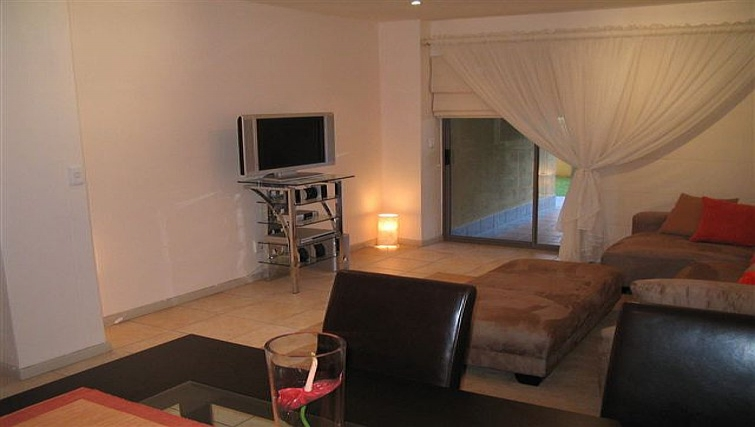 Ideal bedroom in 77 Grayston Apartments