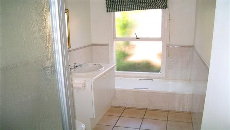 Classic bathroom in Villa Via Apartments