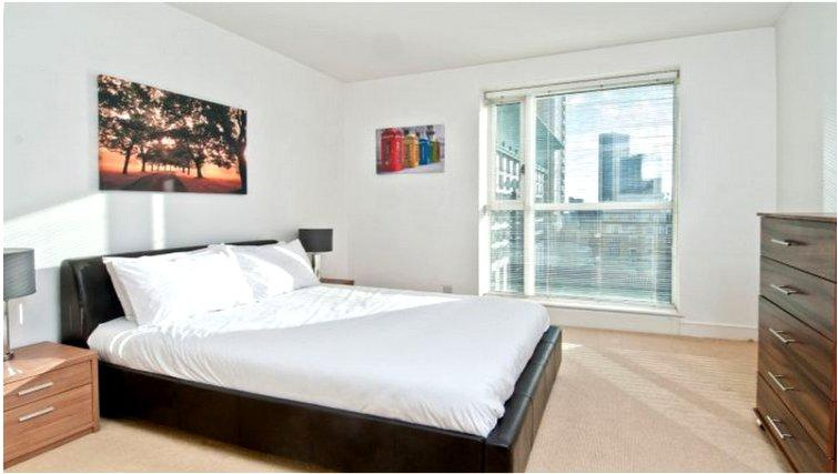Welcoming bedroom at Canary Riverside
