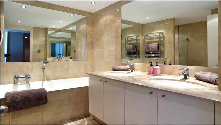 Immaculate bathroom at at Canary Riverside