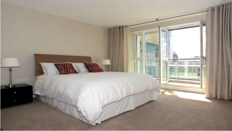 Modern bedroom at Canary Riverside