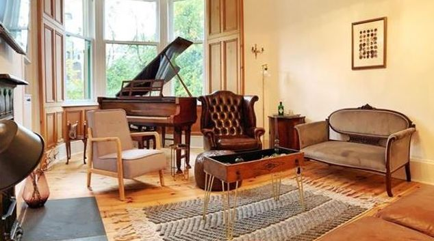 Living area at Oakshaw Apartment, Paisley, Glasgow