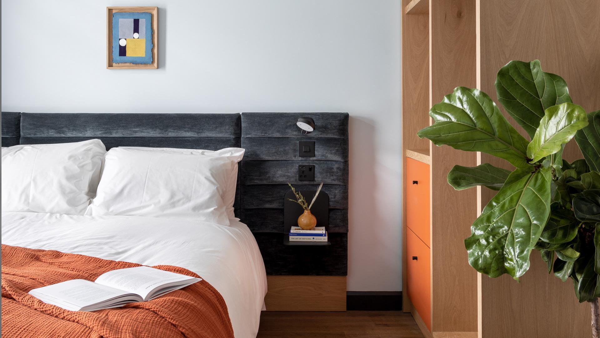 Bed at Beckett Locke Apartments, North Wall, Dublin