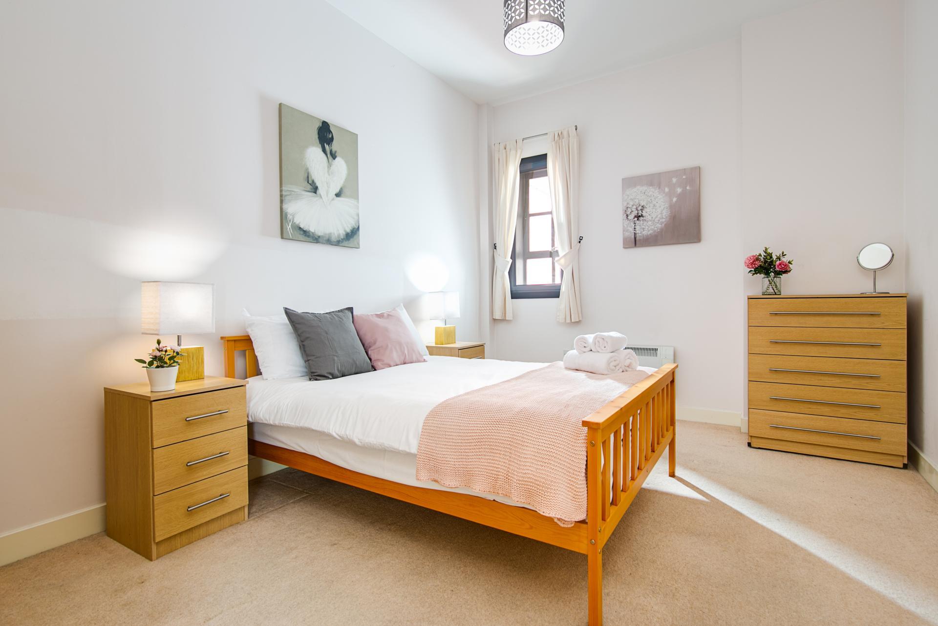 Bedroom at The Gem Apartment, Jewellery Quarter, Birmingham