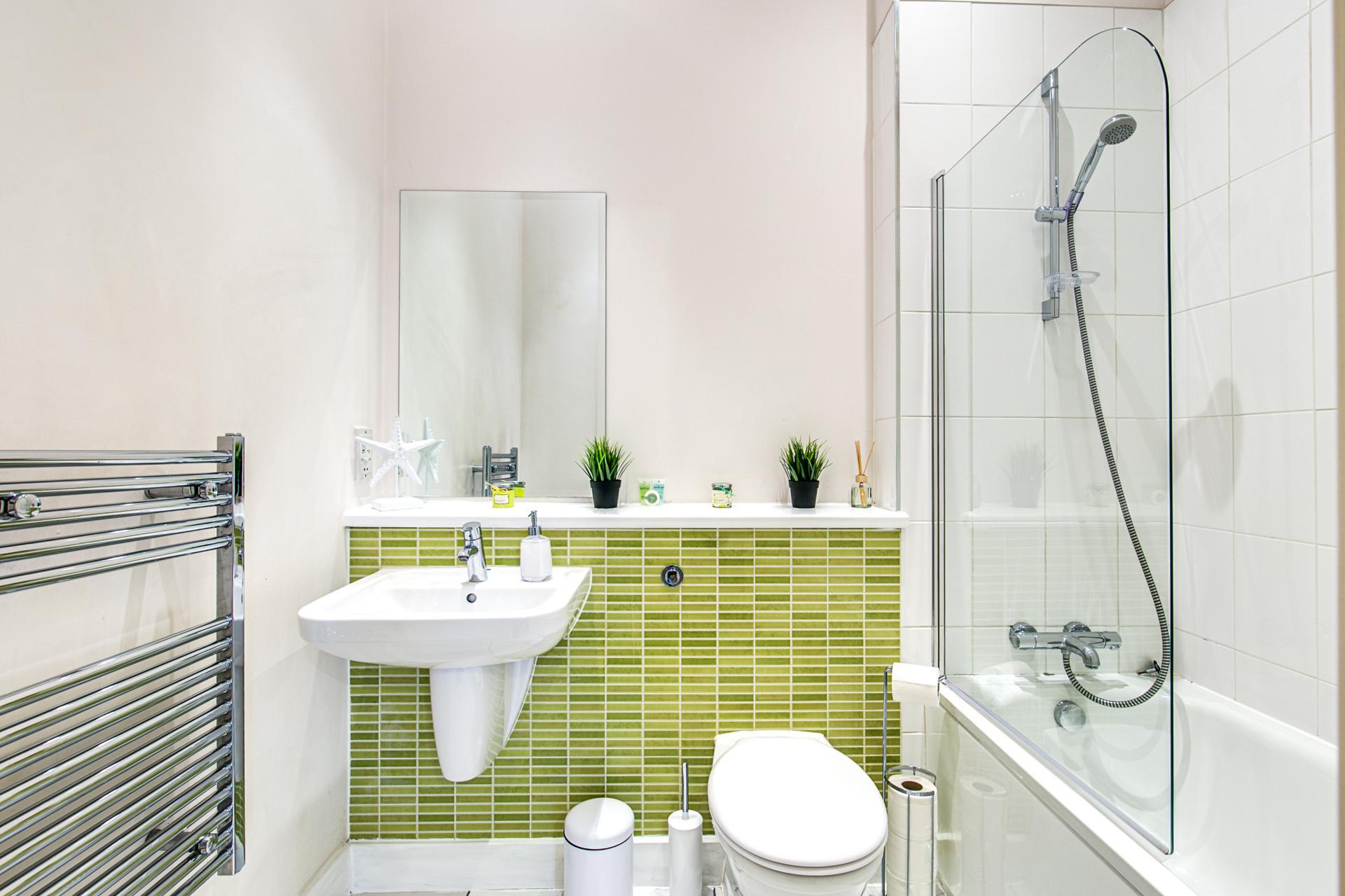 Bathroom at The Gem Apartment, Jewellery Quarter, Birmingham