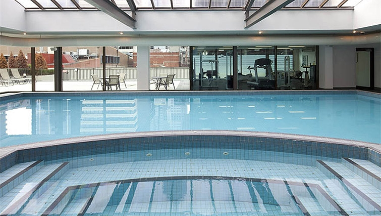 Swimming pool at Mantra on Russell