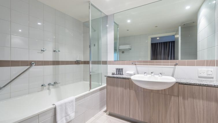 Bathroom in 1 bed at Mantra on Russell