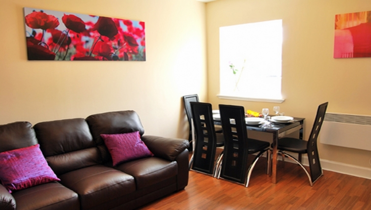 Tidy living area in Stay Edinburgh City Apartments