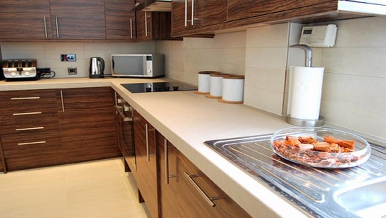 Modern kitchen in Stay Edinburgh City Apartments