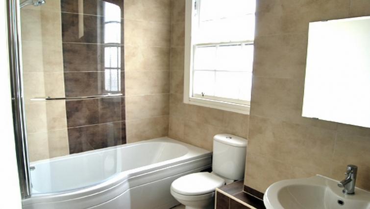 Ideal bathroom in Stay Edinburgh City Apartments