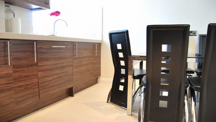 Contemporary dining area in Stay Edinburgh City Apartments