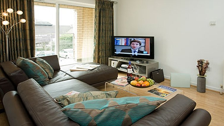 Spacious living area in Chelmsford Serviced Apartments