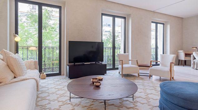 Living room at Monte Esquinza Apartments, Salamanca, Madrid