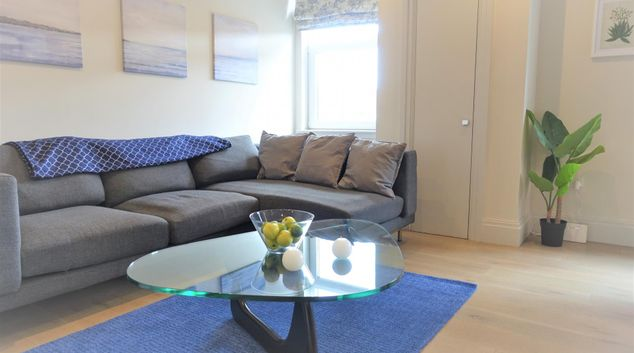 Living area at Richmond Quadrant Apartments, Richmond, London