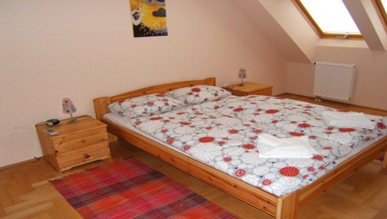 Delightful bedroom in InnerCity Apartments