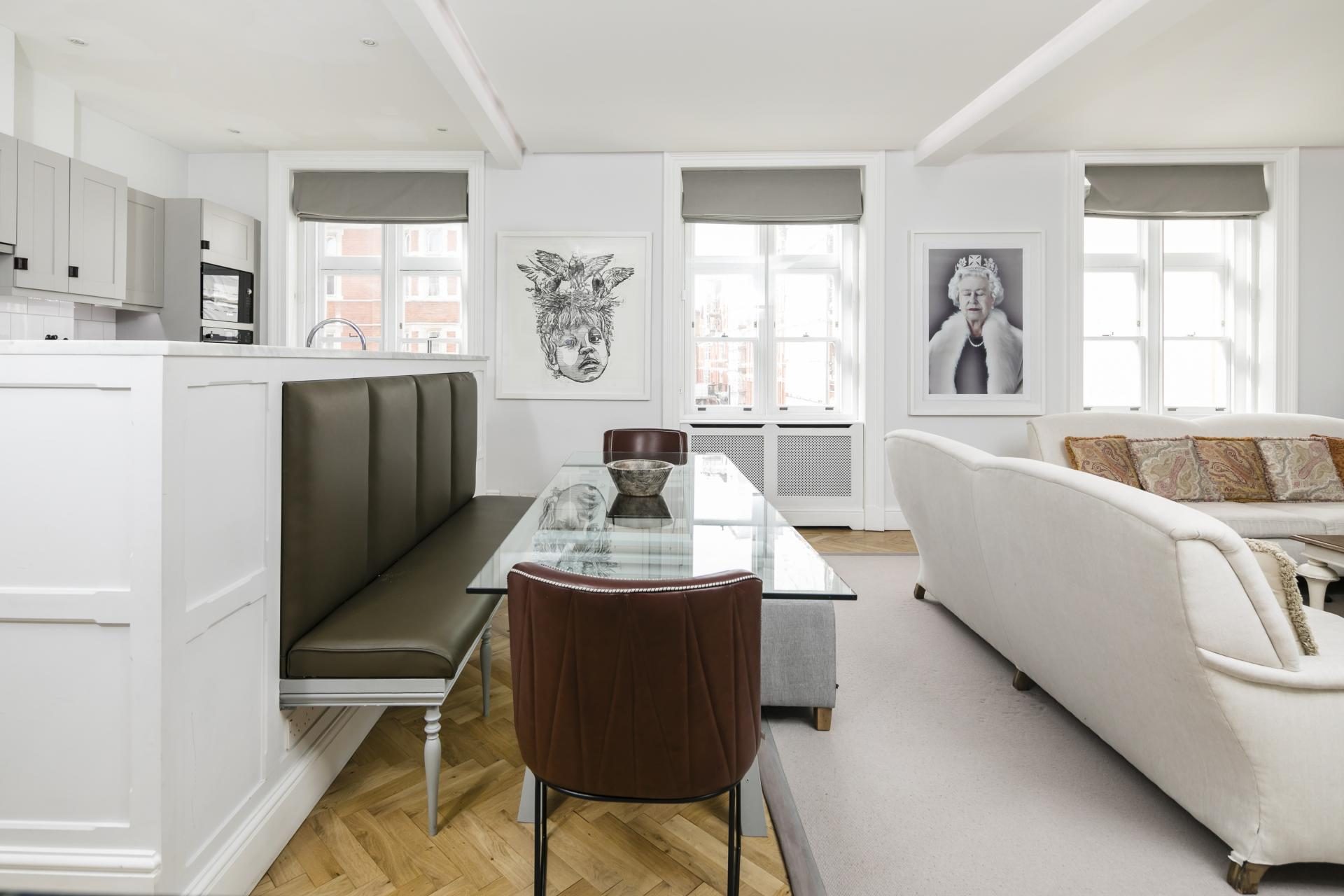 Dining area at Luxurious Mayfair Apartments, Mayfair, London