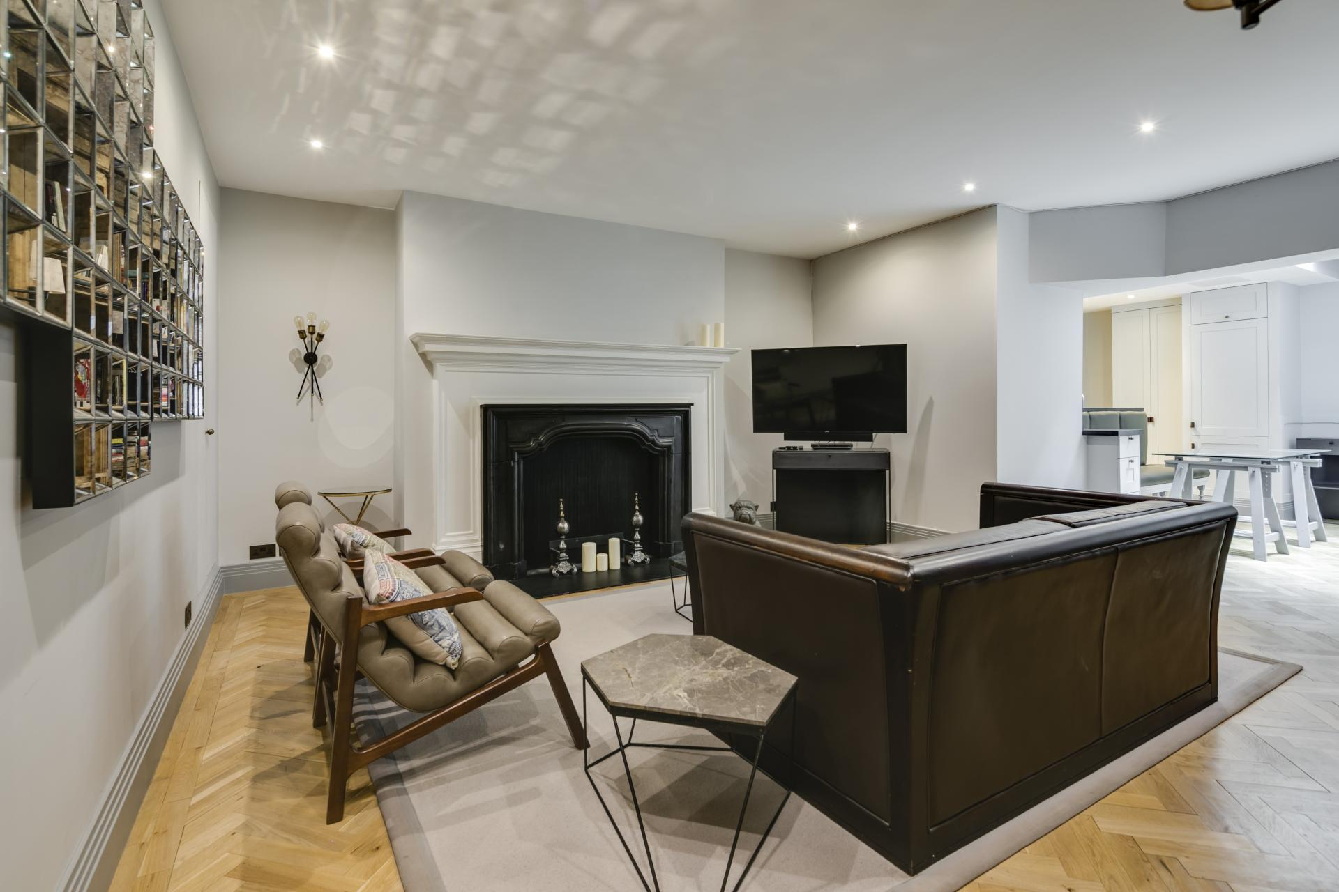 Modern living at Luxurious Mayfair Apartments, Mayfair, London