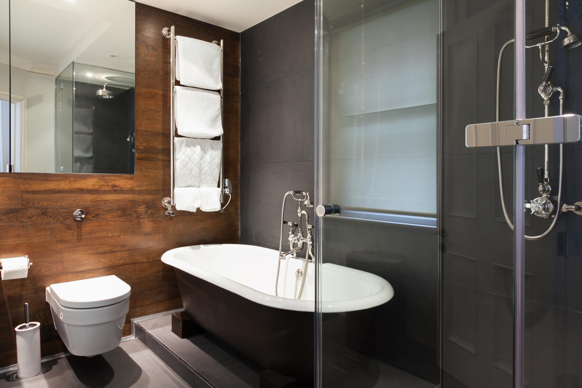 Bath and shower at Luxurious Mayfair Apartments, Mayfair, London