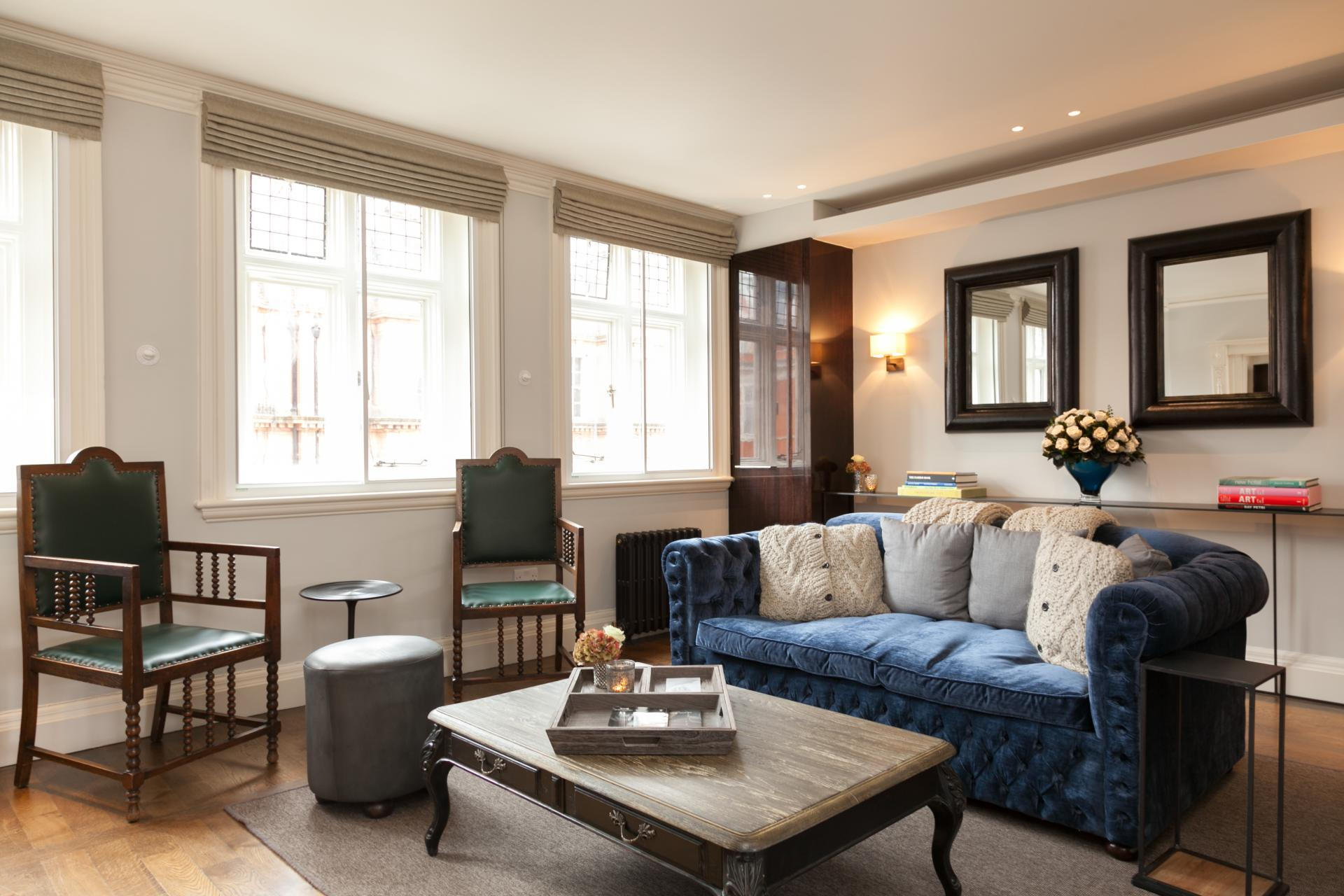 Living area at Luxurious Mayfair Apartments, Mayfair, London