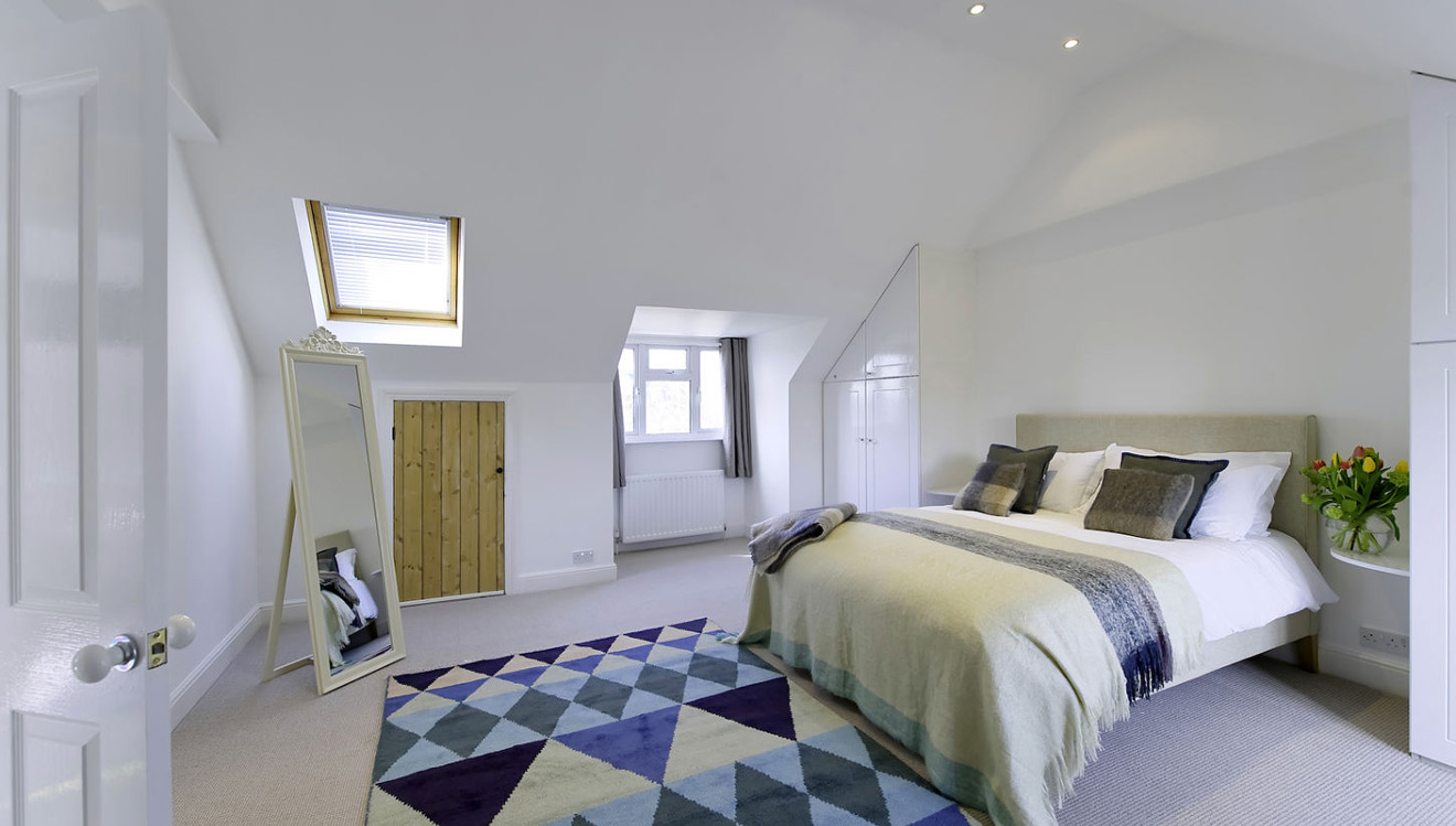 Double bed at Craven House Apartments