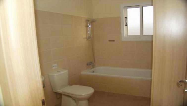 Ideal bathroom in Pyla Village Apartment