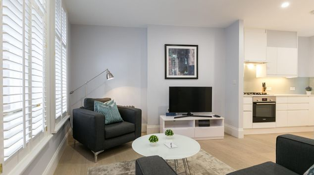 Living room at Urban Chic Shaftesbury Apartments, Piccadilly, London