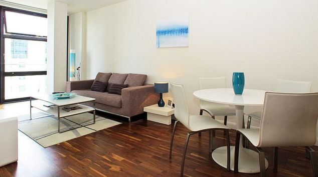 Stylish living area in Discovery Dock West Apartments