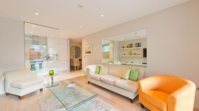 Living room at Baggot Street Lower Apartment, Centre, Dublin