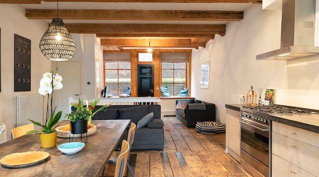 Open-plan living at Jordaan Mansion Apartment, Grachtengordel-West, Amsterdam